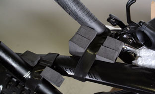 Picture 9: Attach the other end of the handlebars to the upper tube