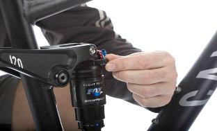 Picture 4: Undo the cap to adjust air pressure