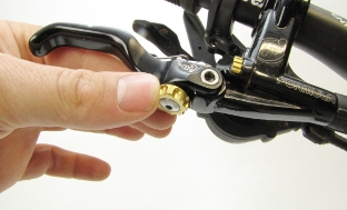 Picture 8: Adjusting of Formula brake levers