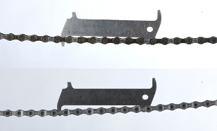 Picture 1: Above: worn chain, below: worn chain